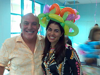 Miami, Party Balloon Hats, Entertainment