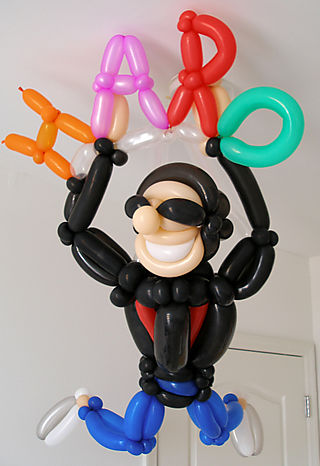 Peter Shankman, founder of Haro, Help-a-Reporter-Out, balloon sculpture