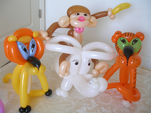 Balloon_animal_balloon_art_artist