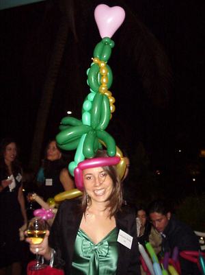 Balloon_hat_christmas_tree_hat