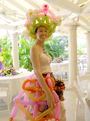 Balloon_art_balloon_dresses_and_bal