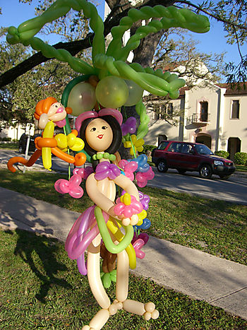 Miami, Coral Gables, Fisher Island toursts can call for large balloon art sculptures like this